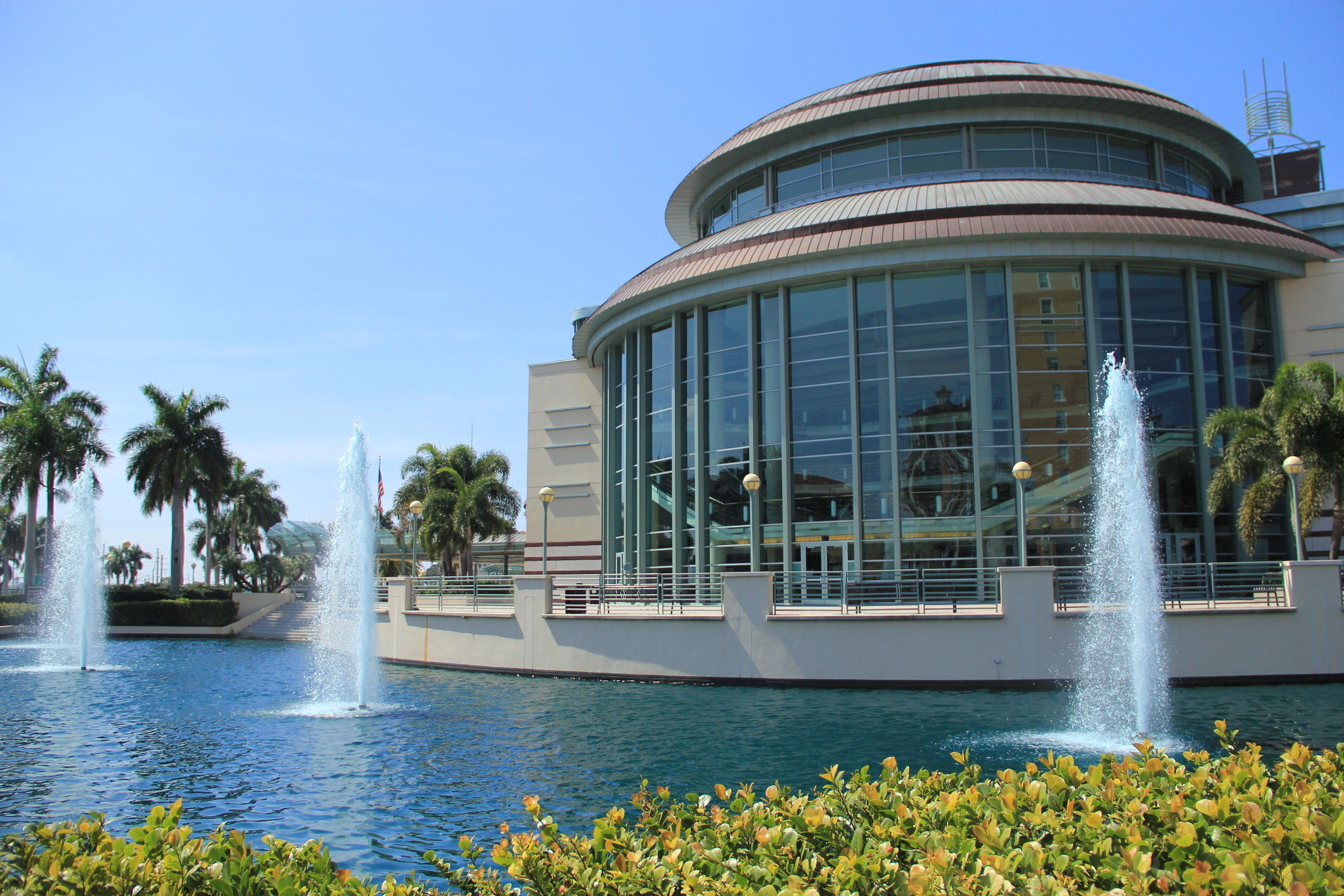 http://www.dreamstime.com/stock-photography-architecture-west-palm-beach-three-water-fountains-front-image30093862